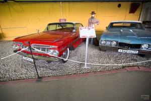 Chevrolet Impala I и Oldsmobile Cutlass. Музей Московский транспорт