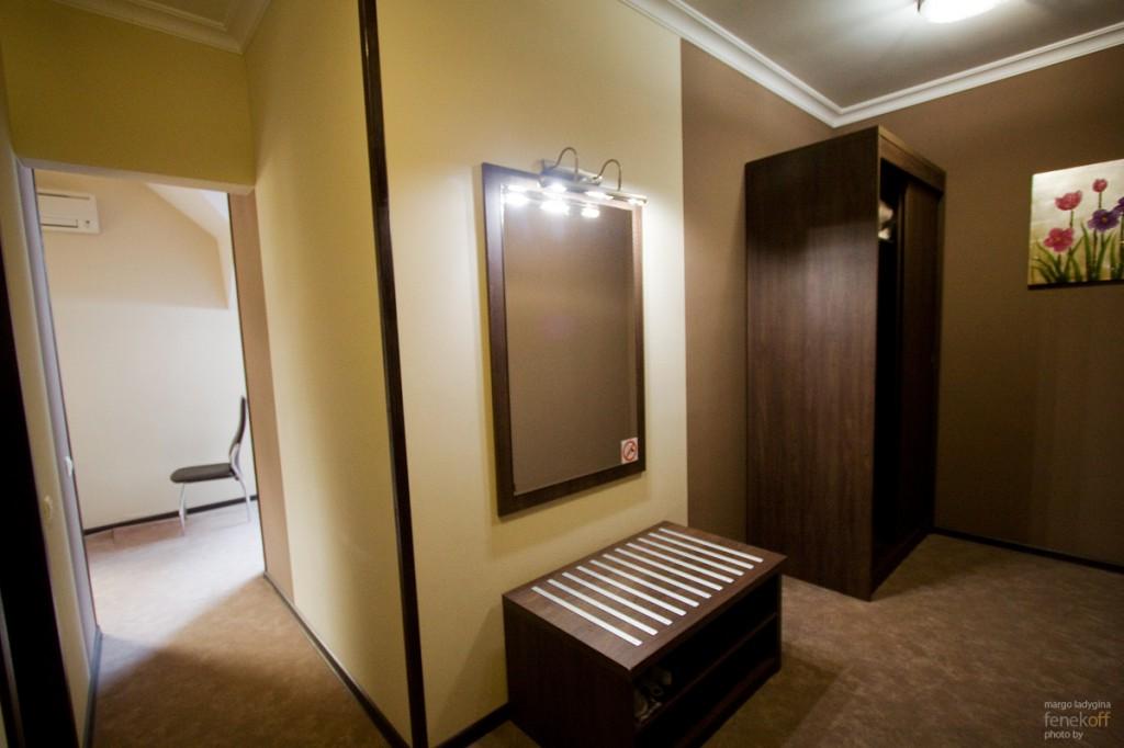 Просторная прихожая в нашем номере в отеле Горная резиденция