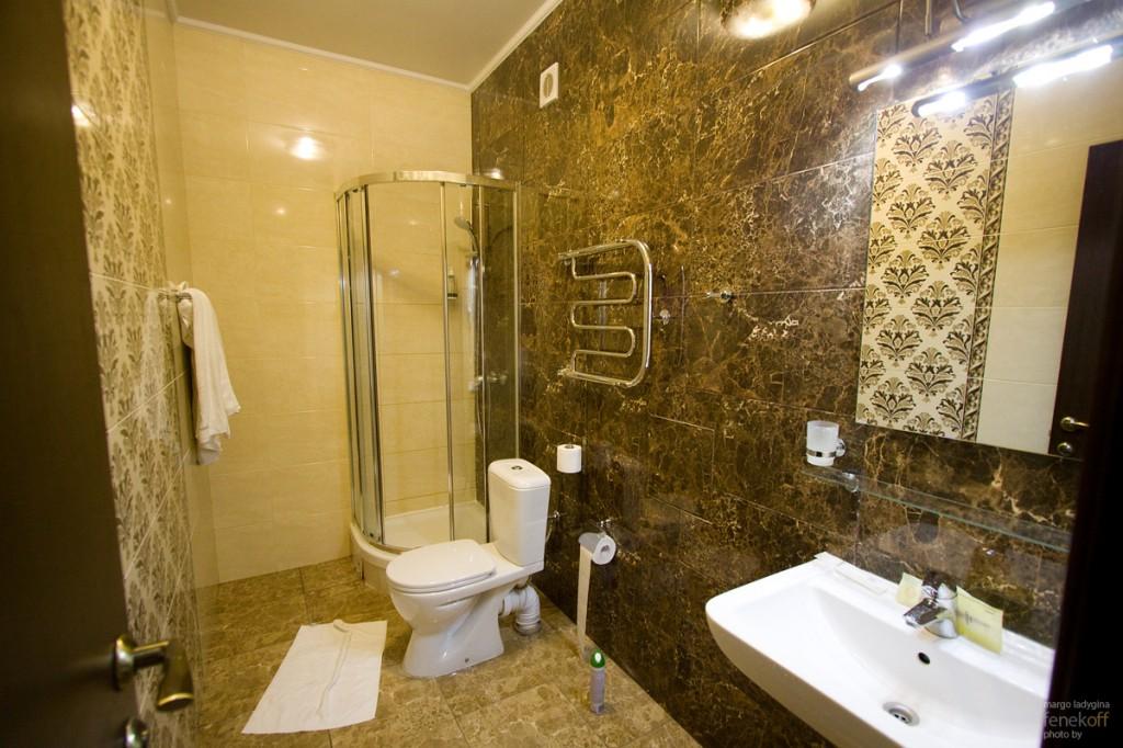 Ванная комната в апартаментах в отеле Горная Резиденция