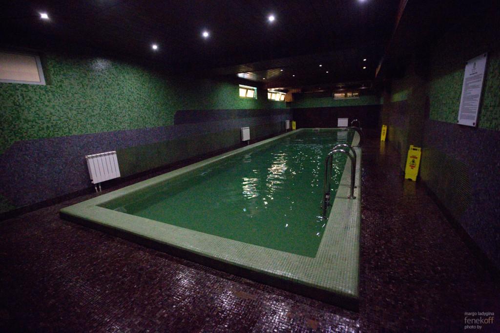 Крытый бассейн в отеле Горная Резиденция