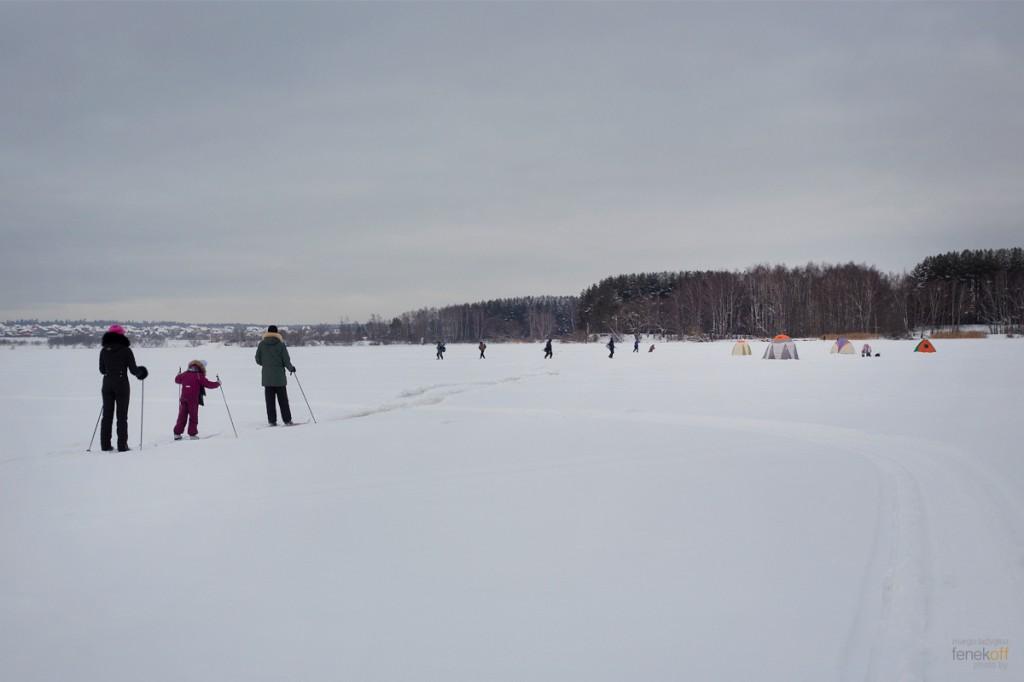 Лыжники и рыбаки на Клязьме