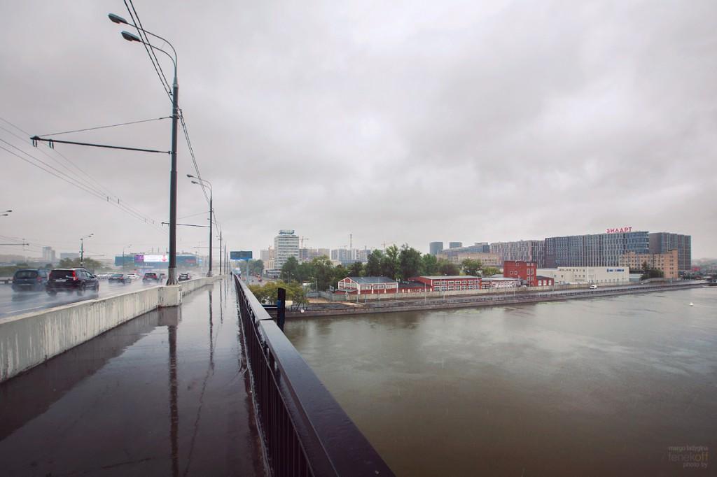 Вид с Автозаводского моста на застройку ЗИЛа